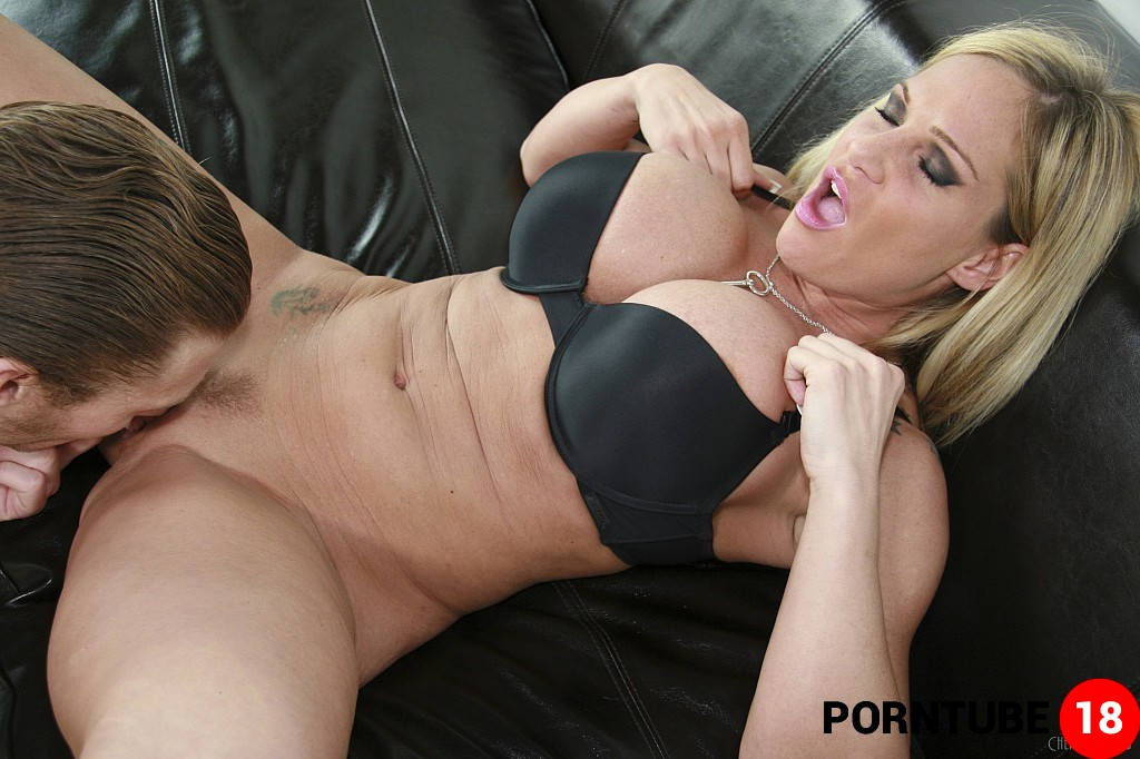 Alexis Texas blowjob witte grote lul pic