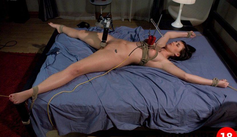 pnz-porno-privyazani-k-seks-mashini