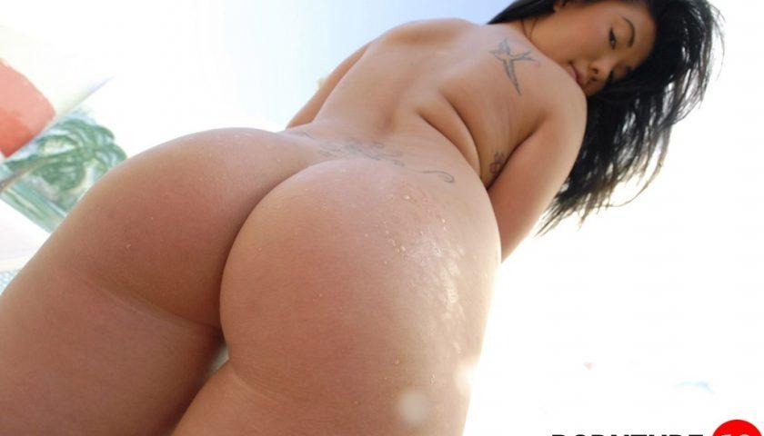 thick milf pics