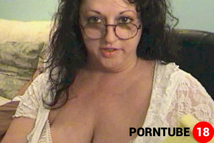 Nude girl with legos