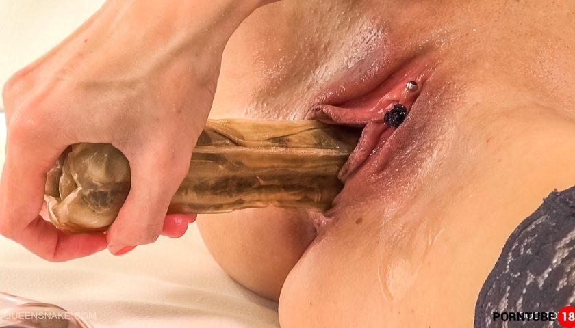 Free porn queensnake
